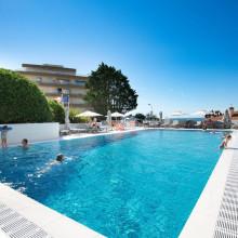 appart-hotel-avec-piscine-biarritz