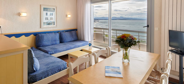 appartement equipe vue mer a biarritz